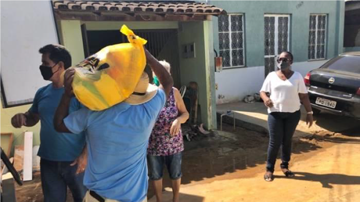 The MSC São Paulo Social Work Project provides food, medication, and cleaning products to families in in the city of Muriaé, in Minas Gerais, Brazil, who are struggling as a result of the coronavirus pandemic.